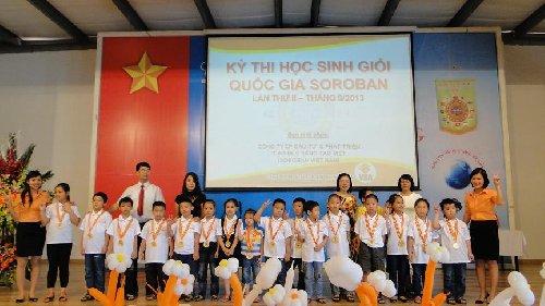 Trung tâm Kidslink Bắc Giang nhận kỷ niệm chương