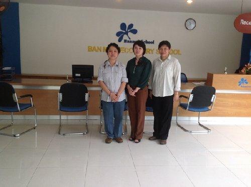 Đồng sáng lập Soroban Singapo bà Phyilly Wong,  Amanda Yên Chiu Jung và  BGH hệ thống Ban Mai